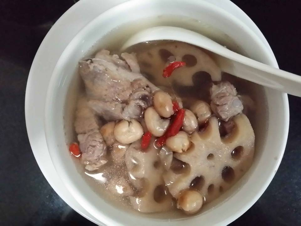 Double Boiled Pork Ribs with Lotus Soup 莲藕排骨汤